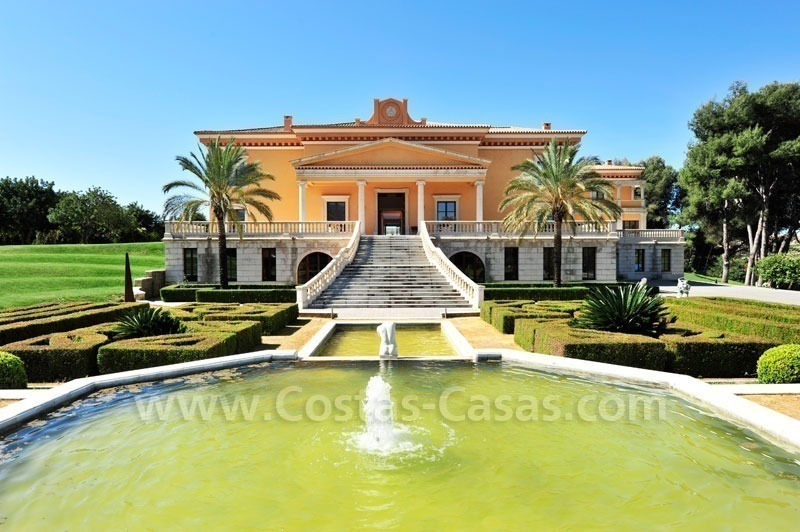 Unique mansion de style palais à vendre à Marbella