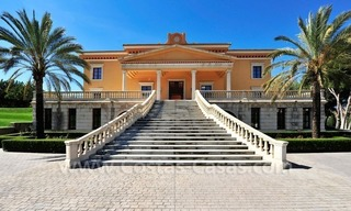 Unique mansion de style palais à vendre à Marbella 3