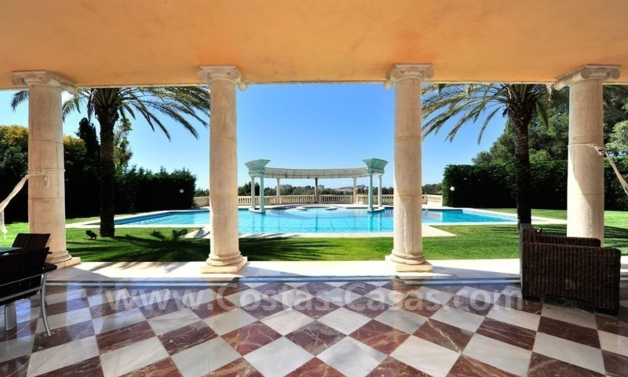 Unique mansion de style palais à vendre à Marbella 22