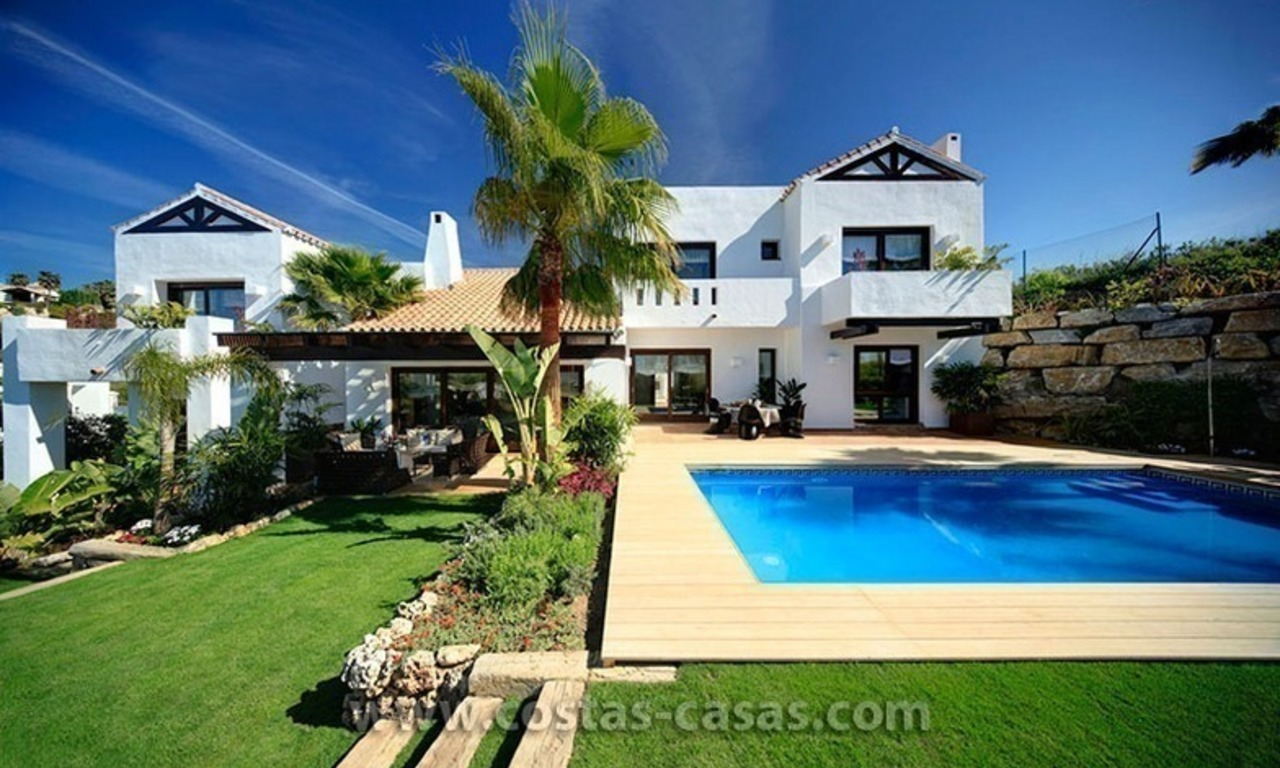 Villa de luxe contemporaine en seconde ligne de golf à vendre à Marbella - Benahavis 0