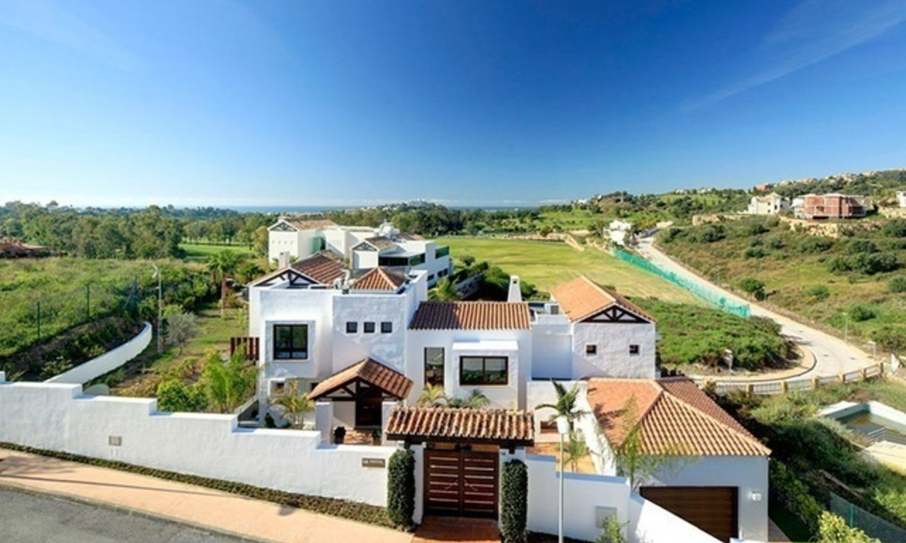 Villa de luxe contemporaine en seconde ligne de golf à vendre à Marbella - Benahavis 2